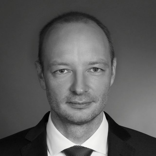 Tobias M Weitzel